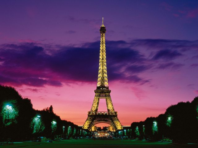 eiffel_tower_at_night_paris_france-normal